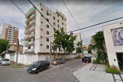 Imagem do edifício residencial antes de desabar.