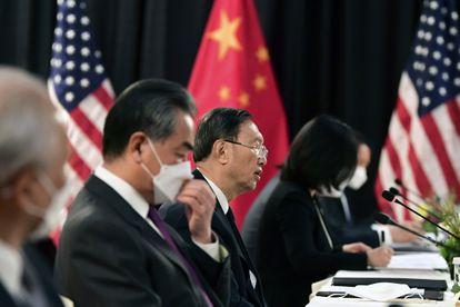 O conselheiro de Estado chinês, Yang Jiechi, durante a reunião das delegações diplomáticas dos EUA e China em Anchorage (Alasca).
