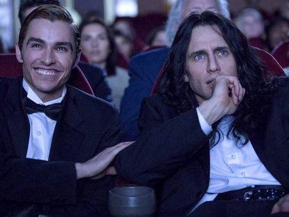 Dave (esquerda) e James Franco, em um fotograma de 'The Disaster Artist'.