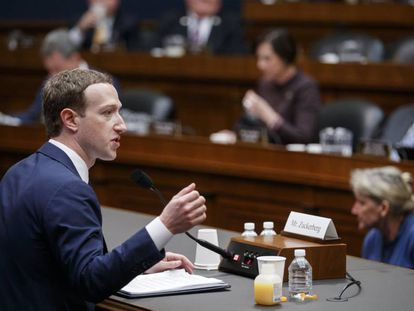 Mark Zuckerberg depõe na Câmara de Representantes.