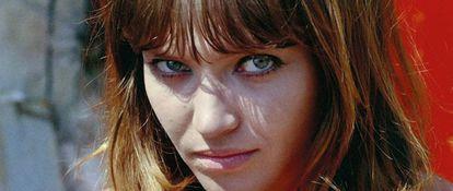 Anna Karina duranteas gravações de 'O Demônio das Onze Horas' (1965), de Jean-Luc Godard.