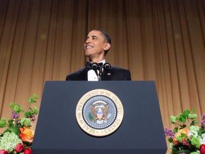 No jantar dos correspondentes de 2011, o presidente se vingou pelo rumor que o empresário espalhou sobre o seu local de nascimento