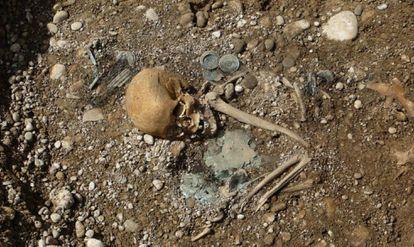 Tumba de uma mulher de status elevada e origem forasteira em um sítio arqueológico alemão da Era do Bronze.