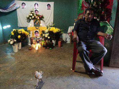 Pai de estudante cujos restos mortais foram identificados.