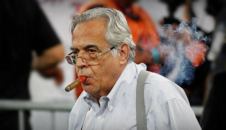 Eurico Miranda, com seu inseparável charuto.