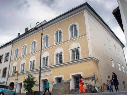 Imagem do edifício no que nasceu Adolf Hitler em Braunau am Inn, ao oeste da Áustria.