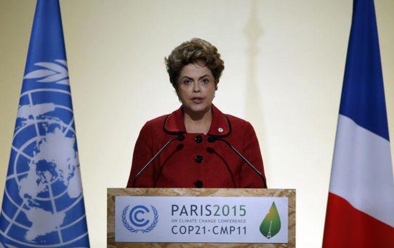 Dilma Rousseff nesta segunda em Paris.