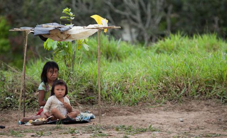 Crianças da aldeia Canamary, da etnia Madja.