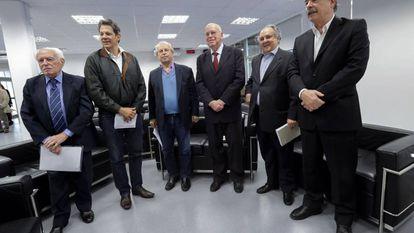 Os ex-ministros da Educação José Goldemberg (1991-1992), Fernando Haddad (2005-2012), Renato Janine (2015), Murilio Hingel (1992-1995), Cristovam Buarque (2003-2004) e Aloizio Mercadante (2015-2016).