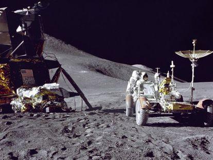 Imagem da missão 'Apolo 15', uma das seis vezes que os humanos desceram na Lua, algo que muitas teorias da conspiração negam.