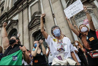 Protesto contra Bolsonaro no centro do Rio de Janeiro.