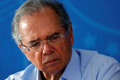 Ministro da Economia, Paulo Guedes, durante coletiva de imprensa em 3 de abril de 2020.