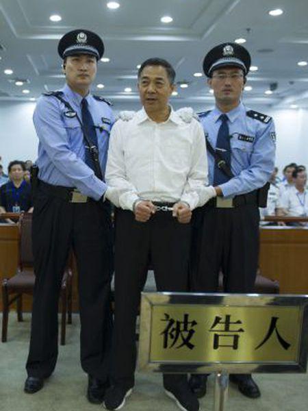 Bo Xilai, ex-secretário do partido no município de Chongqing e ex-membro do Politburo, durante seu julgamento.