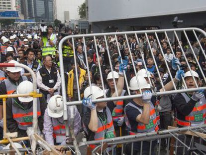 Está em curso a remoção das ocupações pró-democracia em Hong Kong.