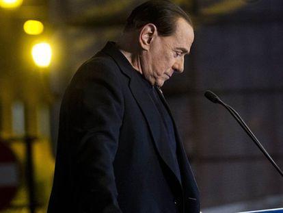 O Senado italiano aprova a cassação de Silvio Berlusconi
