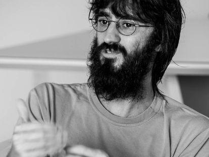 O artista Yuri Firmeza.