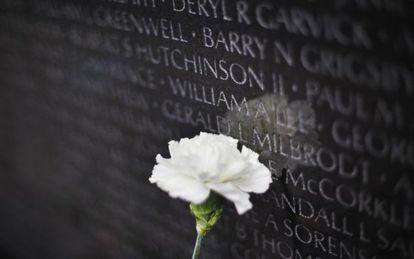 Homenagem no Memorial da Guerra do Vietnã em Washington.