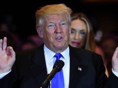 Donald Trump se dirige aos seus seguidores em Nova York.