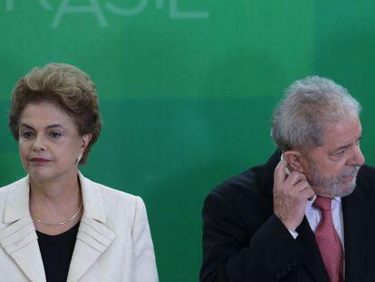 Dilma e Lula durante a posse do ex-presidente como Ministro da Casa Civil.