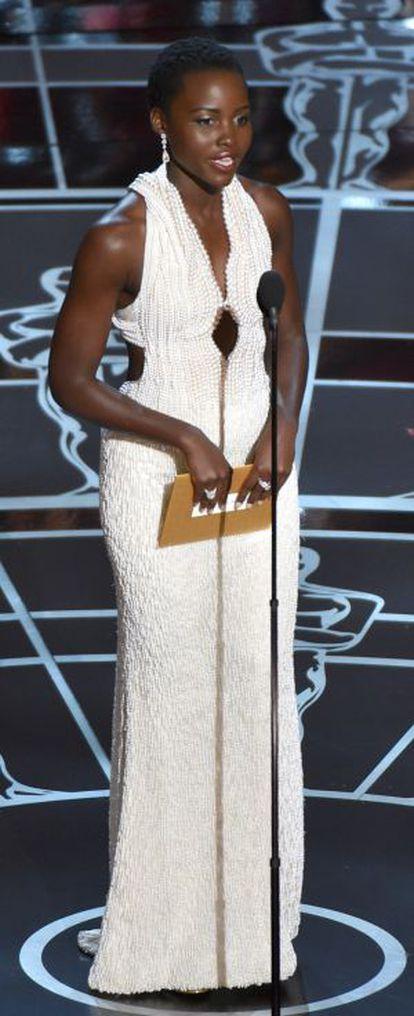 Lupita Nyong'ou na entrega do Oscar.