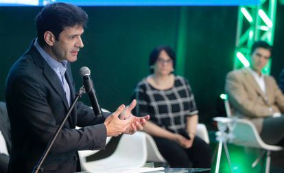Marcelo Álvaro Antonio durante uma conferência.