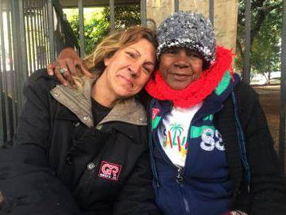 Gaúcha (à esquerda) e dona Eleonora, moradoras da praça 14 Bis.