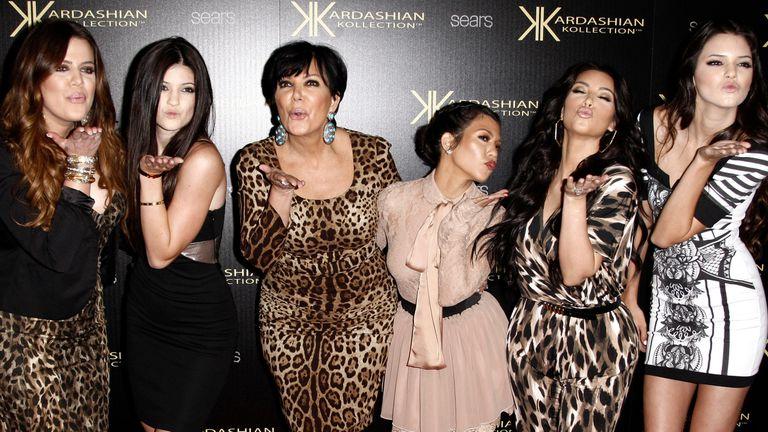 Khloé Kardashian, Kylie Jenner, Kris Jenner, Kourtney Kardashian, Kim Kardashian e Kendall Jenner, em Los Angeles.