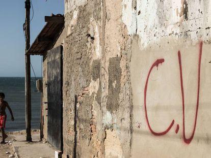 Pichação do Comando Vermelho em Fortaleza.
