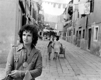Roberto Carlos posa em Veneza em 1971.