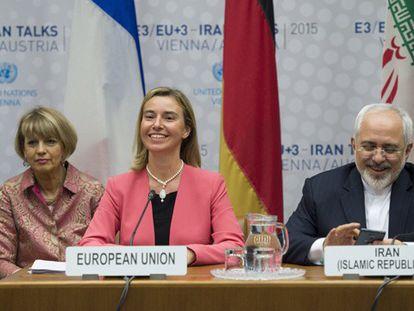 Federica Mogherini e Javad Zarif.