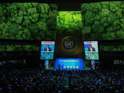 O secretário-geral da ONU, António Guterres, discursa na abertura da cúpula do clima na ONU, em Nova York.