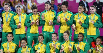 Equipe brasileira de handebol, ouro em Lima.