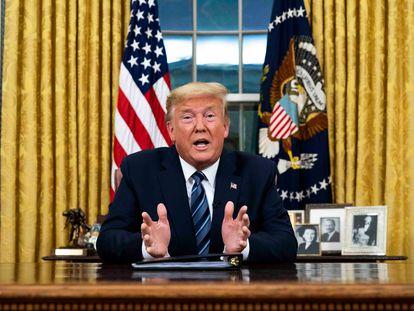 O presidente dos Estados Unidos, Donald Trump, ao anunciar novas restrições pelo coronavírus. Em vídeo, suas declarações.