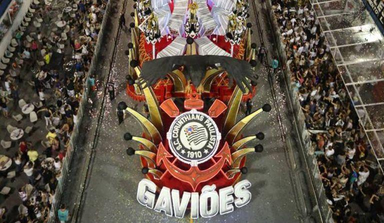 Desfile da Gaviões da Fiel em 2016.