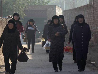 As minorias religiosas na China onde o partido único é a fé suprema