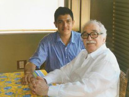 Carlos Eduardo Manrique com García Márquez em 2013 em Cartagena.