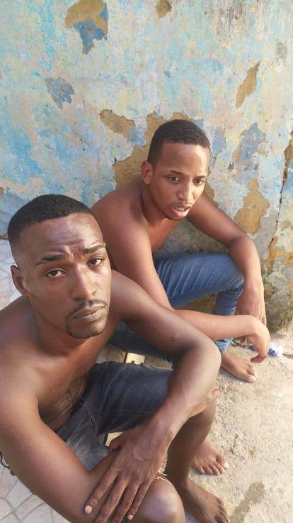 Bruno e Yan em imagem divulgadas nas redes sociais antes de serem assassinados por traficantes.