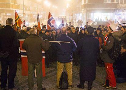 Manifestação islamofóbica em Oslo.
