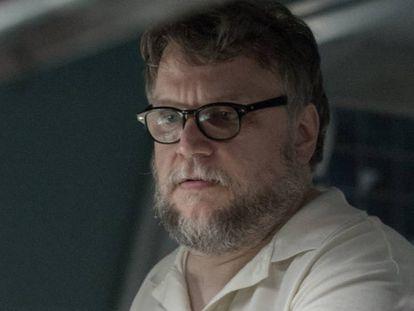 O diretor Guillermo del Toro, na filmagem de ' A Forma da Água'