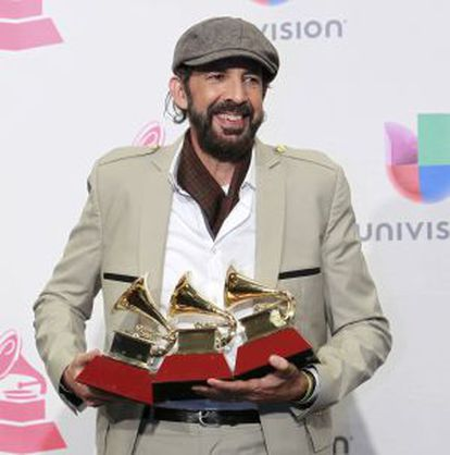 Juan Luis Guerra, com seus prêmios em Las Vegas.