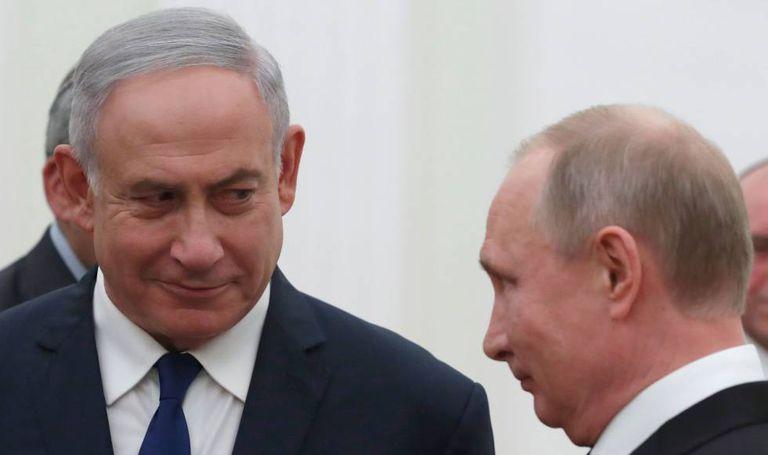 O presidente russo, Vladímir Putin, junto ao primeiro-ministro de Israel , Benjamin Netanyahu, nesta quarta-feira em Moscou.