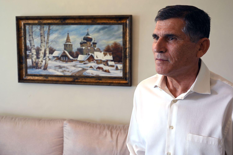 General Carlos Alberto Santos Cruz, ex-ministro do Governo Bolsonaro, em seu apartamento em Brasília.