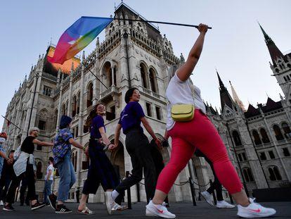 Protesto contra a lei homotransfóbica da Hungria, em 14 de junho, em Budapeste.