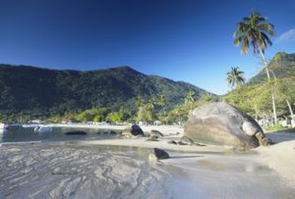 Uma praia de Ilha Grande, no Rio de Janeiro.