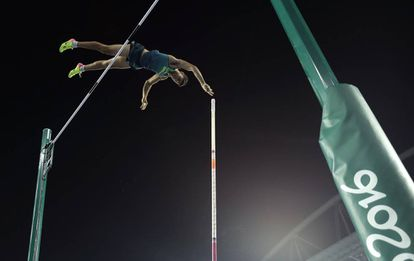 Thiago Braz da Silva durante o salto que lhe rendeu a medalha de ouro.