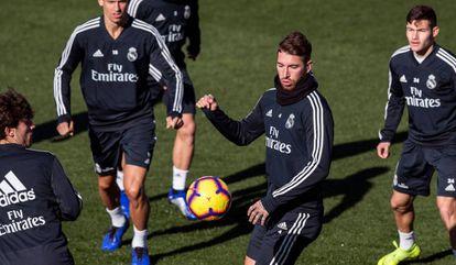 Sergio Ramos, nesta sexta-feira, durante treinamento.
