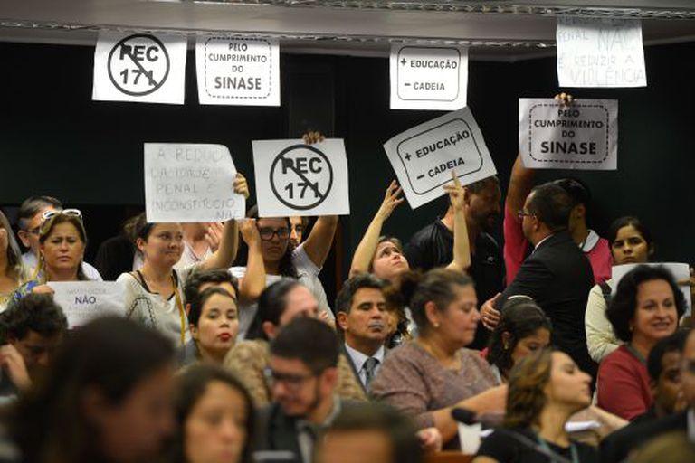 Protesto em março na CCJ contra a PEC 171.