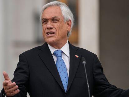 O presidente do Chile, Sebastián Piñera, fala no palácio de La Moneda, nesta segunda-feira, depois do envolvimento do seu nome com paraísos fiscais, parte das revelações dos chamados 'Pandora Papers'.