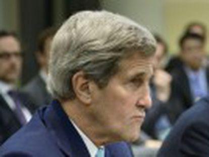 Potências e Teerã seguirão dialogando sobre decisão preliminar. Negociação sobre assuntos mais polêmicos fica adiada para junho