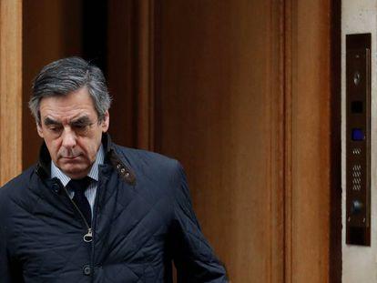 François Fillon, ao deixar sua residência nesta quarta-feira em Paris.